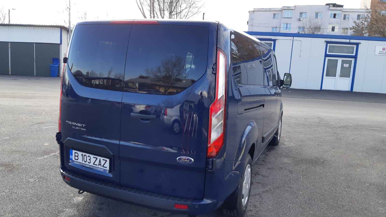 Imagine Inchiriaza auto FORD Transit Custom 2019 4