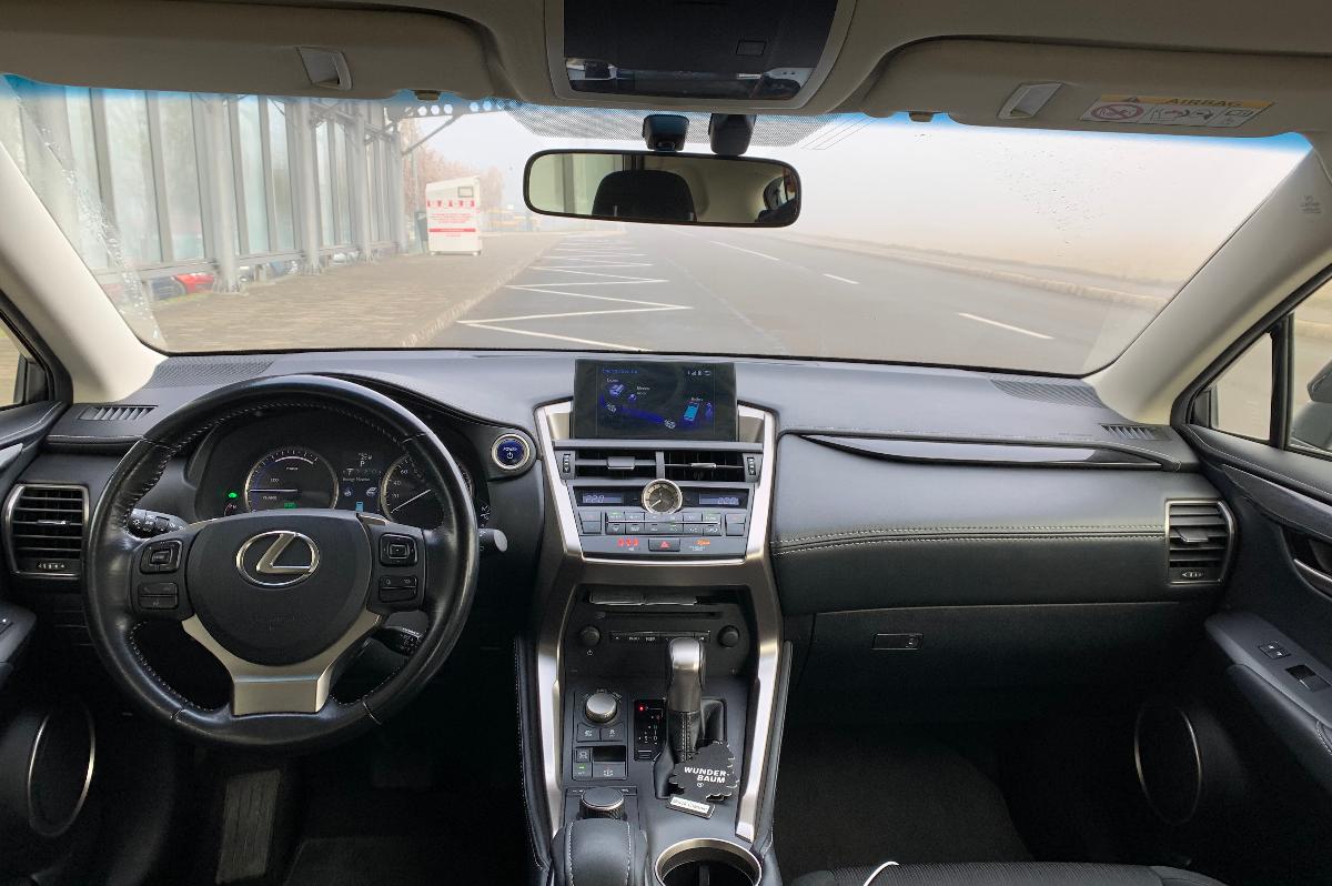 Imagine Inchiriaza auto LEXUS NX 300 H 2016 5