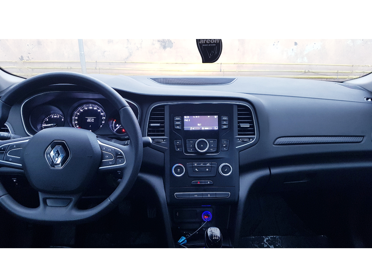 Imagine Inchiriaza auto RENAULT Megane 2019 5
