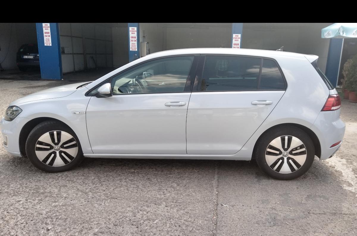 Imagine Inchiriaza auto VW e-golf 2019 2