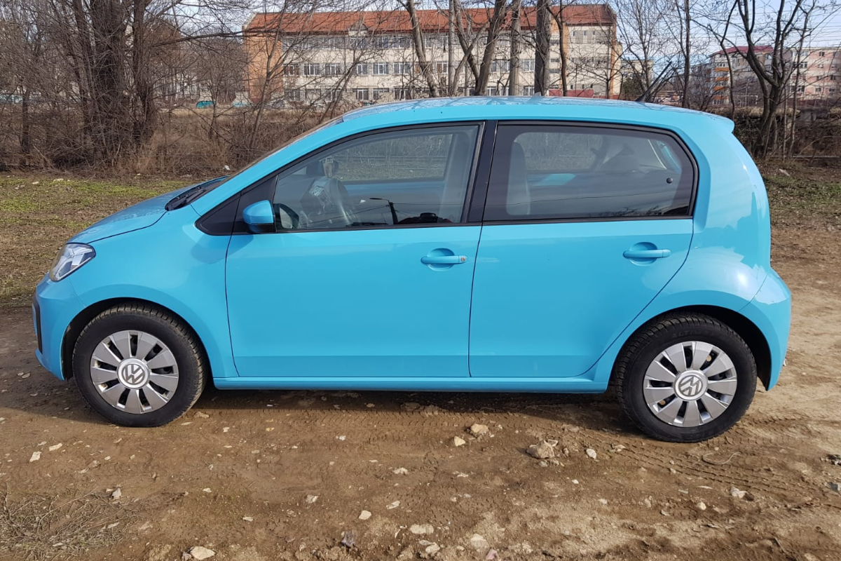 Imagine Inchiriaza auto VW up! 2017 2