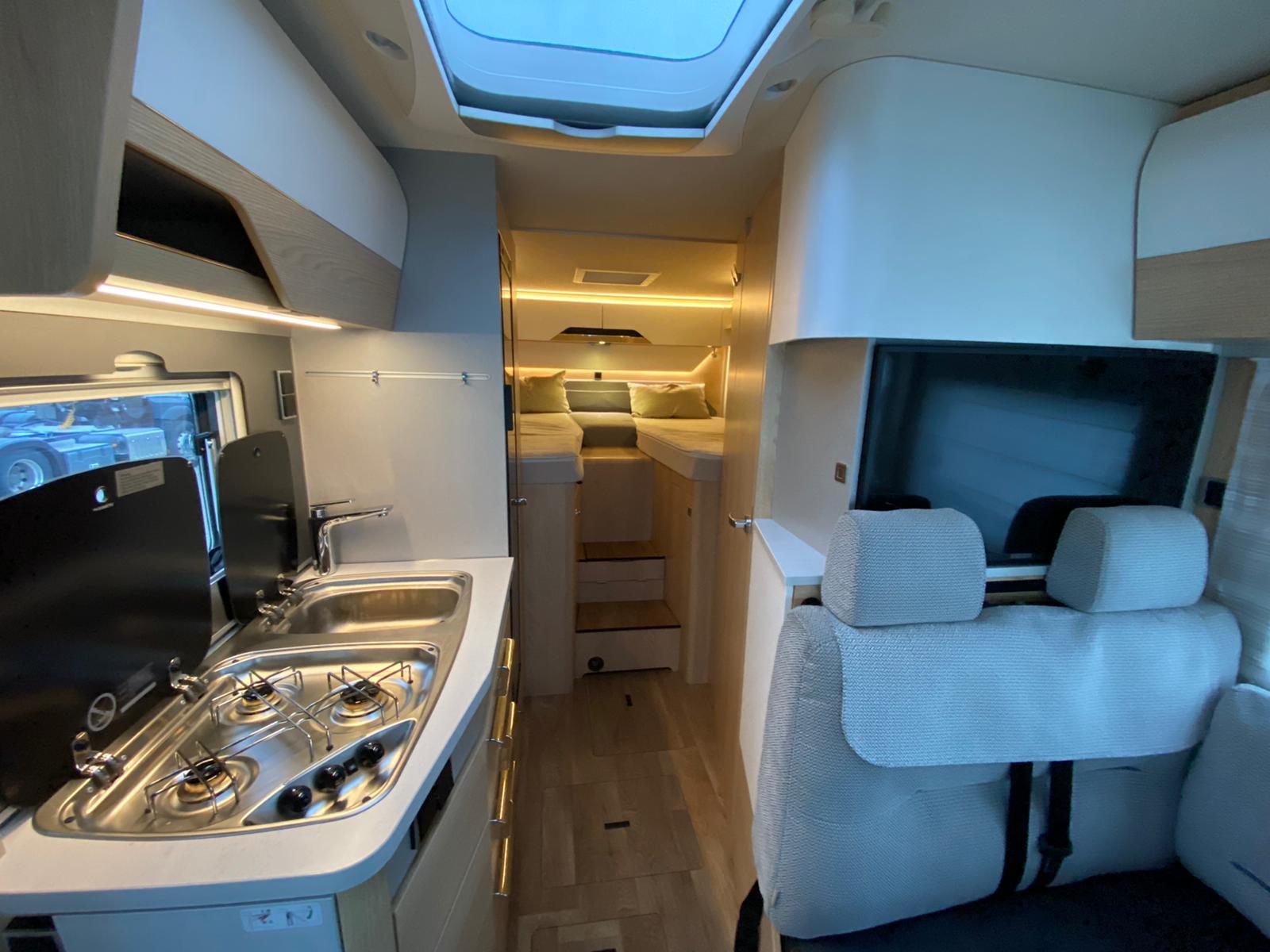Imagine Inchiriaza auto HYMER BMCI580 2019 3
