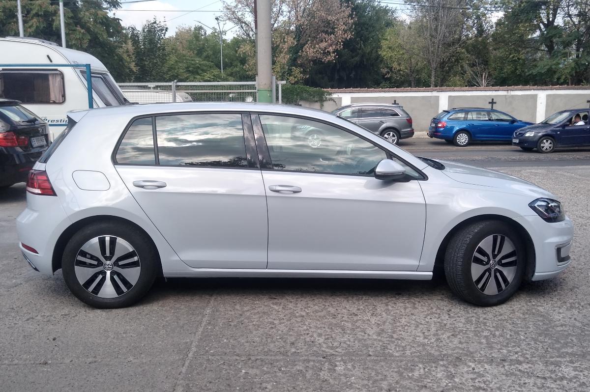 Imagine Inchiriaza auto VW e-golf 2019 3